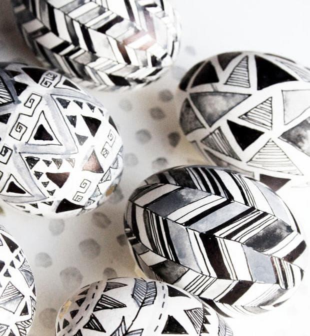 Черно-бели яйца