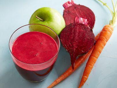 Сок от червено цвекло с моркови и ябълки