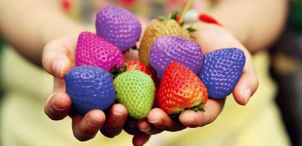ягоди в различни цветове