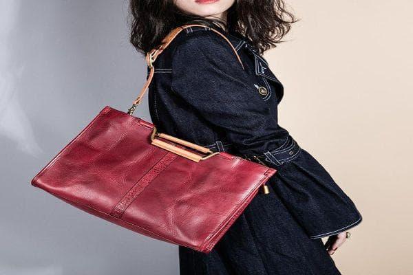 тежка дамска чанта