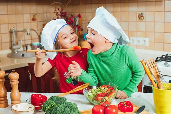 Предложете зеленчуци в компанията на приятел
