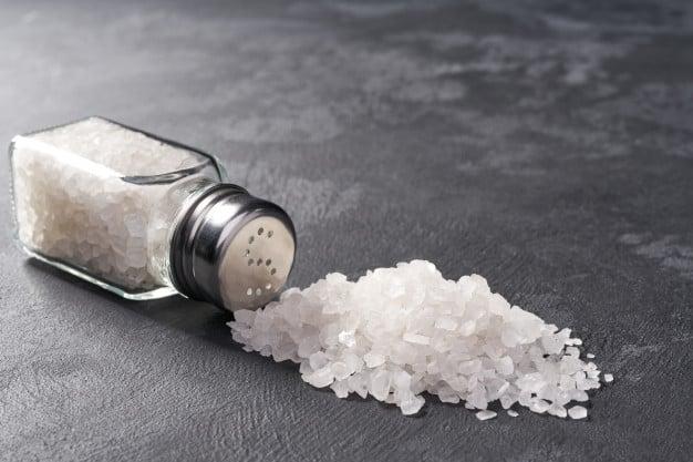 Контрол на кръвното налягане чрез ограничаване приема на натрий