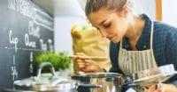Жена, която готви