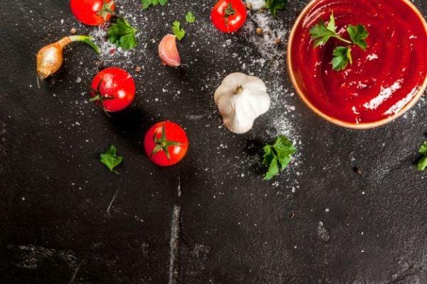 Домашен кетчуп с чесън