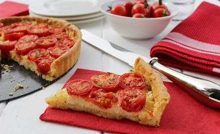 доматен тарт със сирена