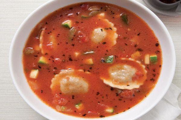 Доматена супа с равиоли
