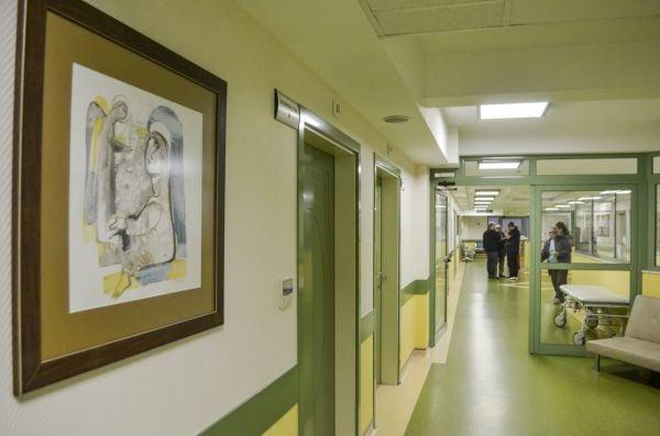 картина на Росен Дончев в отделението