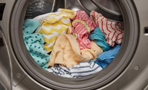 Дрехи в пералня