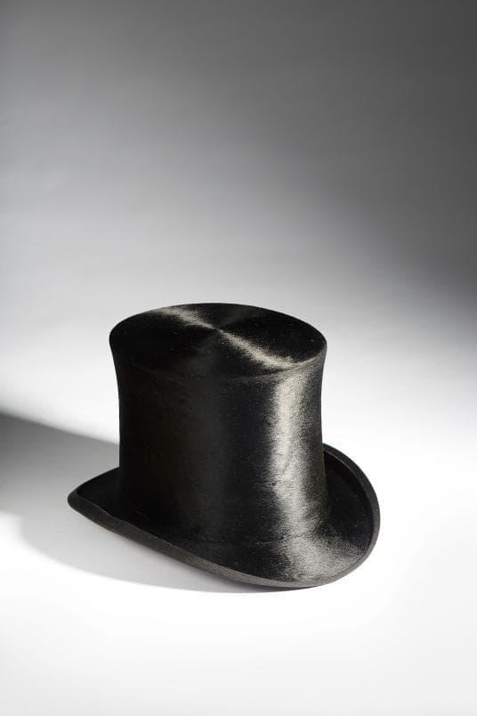 шапка с живак