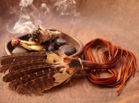 Запалването на сухи листа салвия избистря ума и дарява с мъдрост