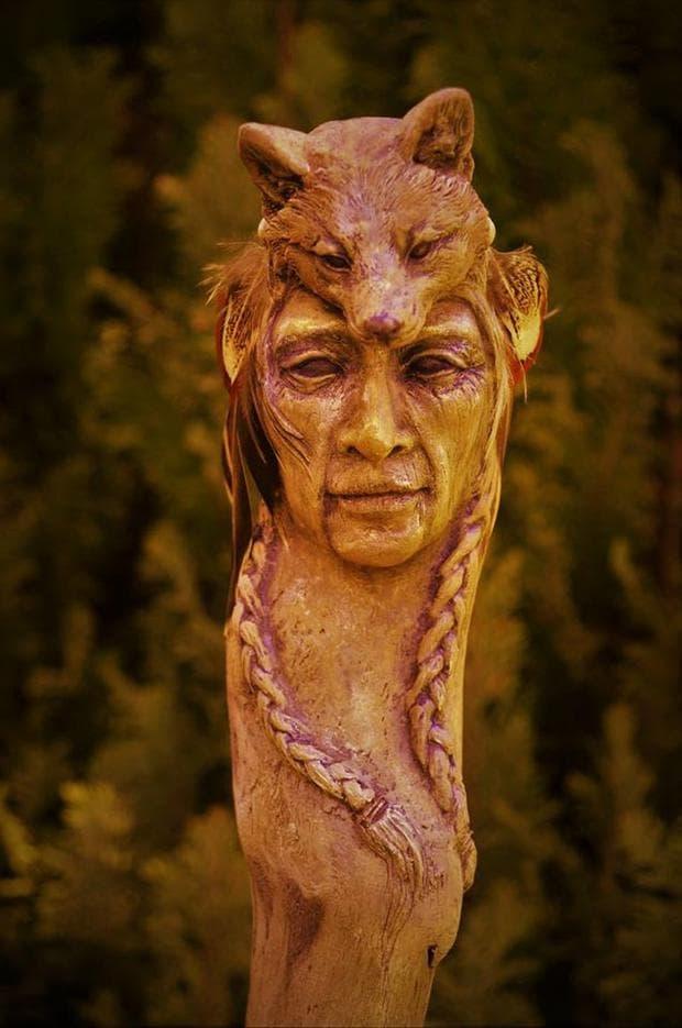 Дървена скулптура