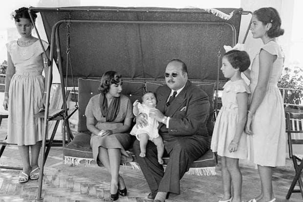 Цар Фарук и семейството му
