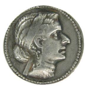 Реплика на монета с лика на Клеопатра