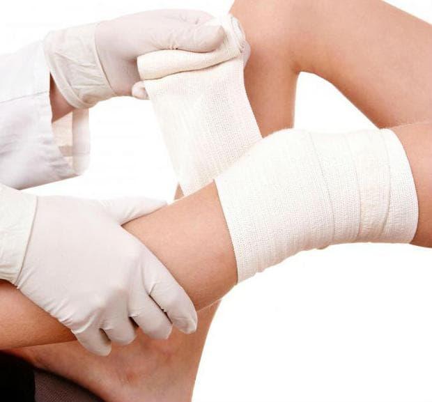 поставяне на еластична превръзка на коляното