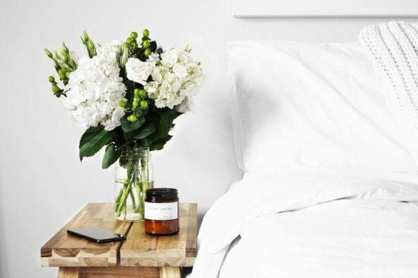 естествени аромати в стая за гости
