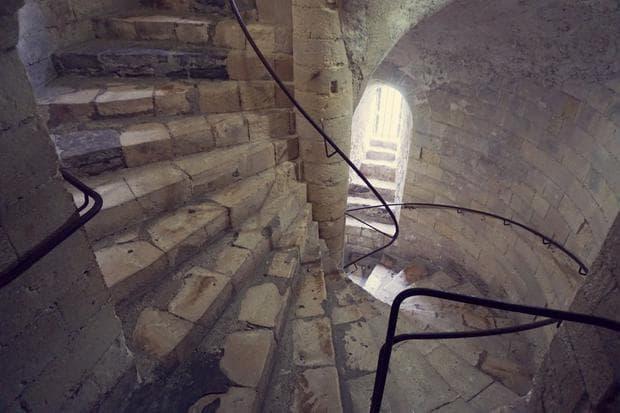 спираловидни стълби