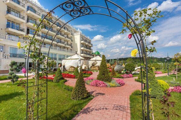 външен изглед на хотела