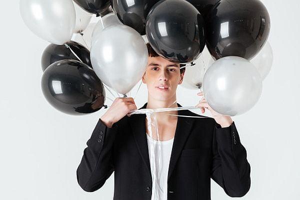 фетиш балони, мъж с балони