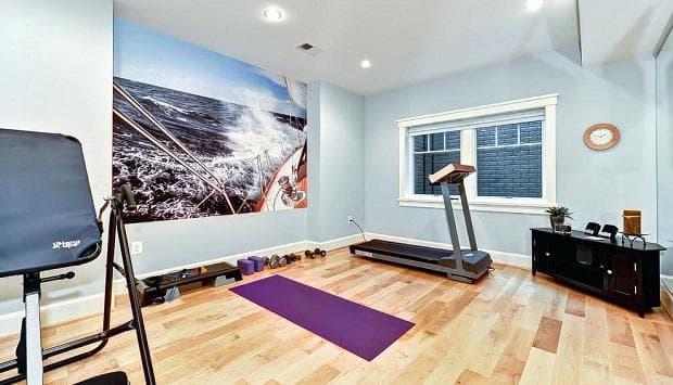 Постелка за упражнения за фитнес у дома