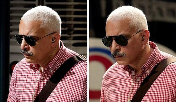 мъж с еднакви ризи