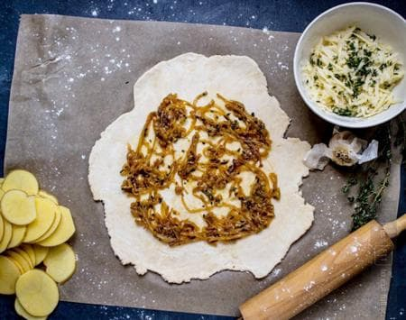 галет с лук и картофи