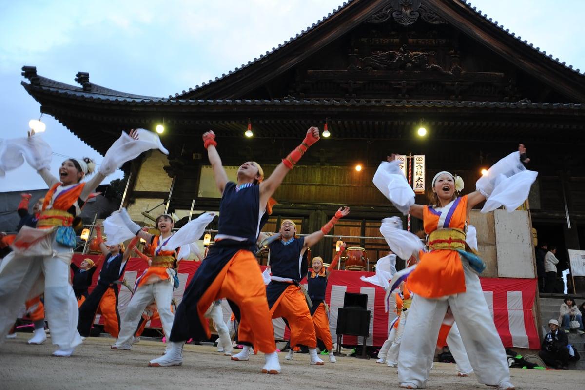 Традиционният японски фестивал Хадака Мацури