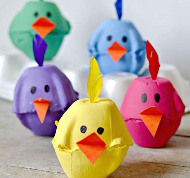 Шарени картонени пилета