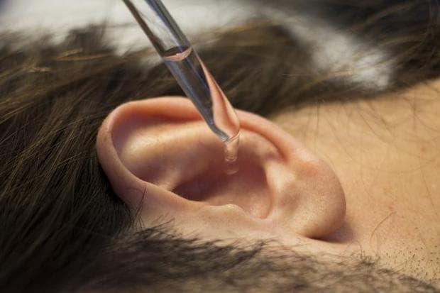 Водороден прекис в ухото