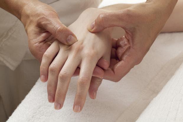 масаж на ръка