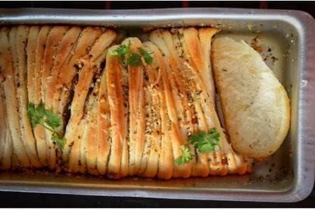 хляб с подправкии кашкавал