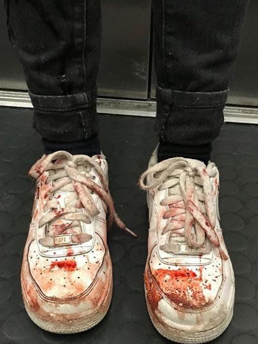 кървави маратонки