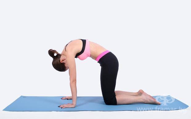Пилатес упражнения - Котешки гръб