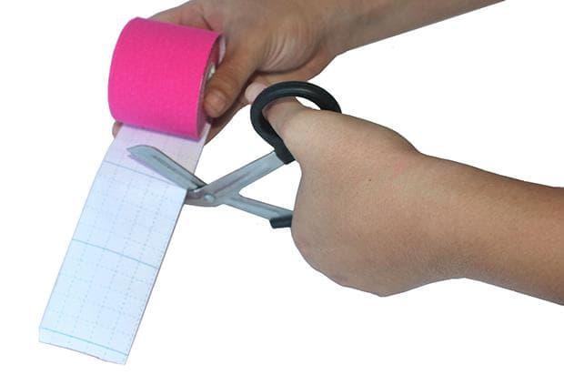 Измерване и рязане на кинезио лента