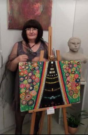 Евгения Маринчева със своята творба