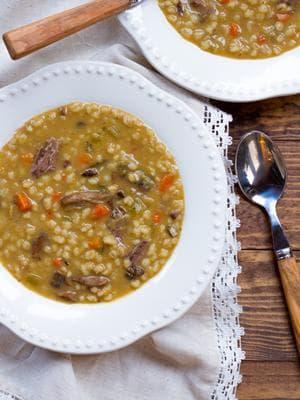 житена супа с гъби и свинско месо
