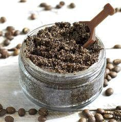 Смес от смляно кафе и сол