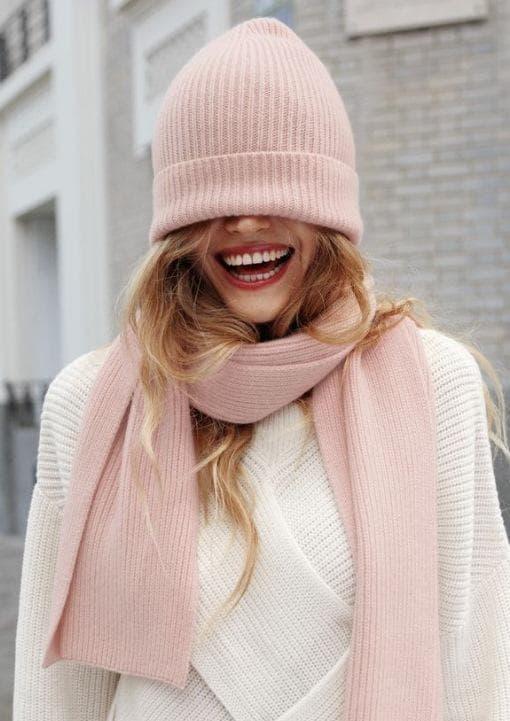 дама в розово