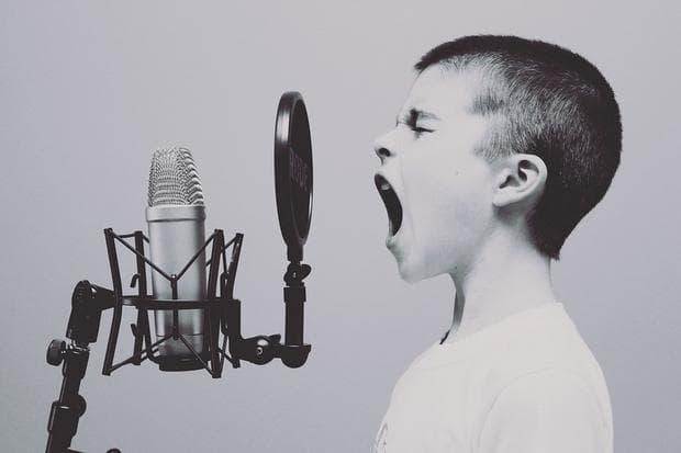 Пеещо дете