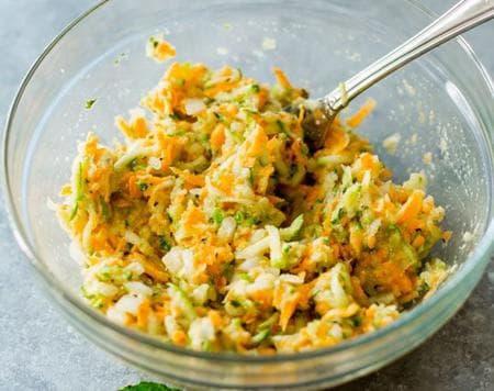 кюфтета от картофи, тиквички, сирене и моркови