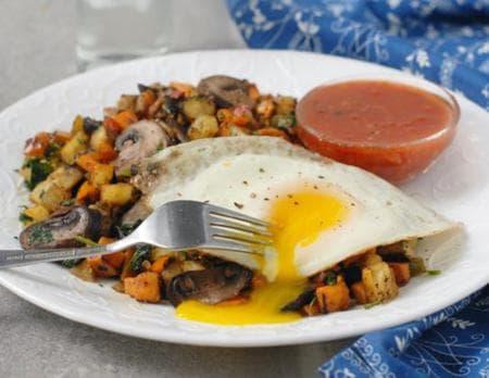 картофи със спанак, гъби и яйца