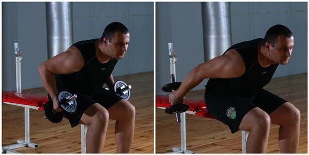 Кикбек за трицепс от седеж с наклон на тялото