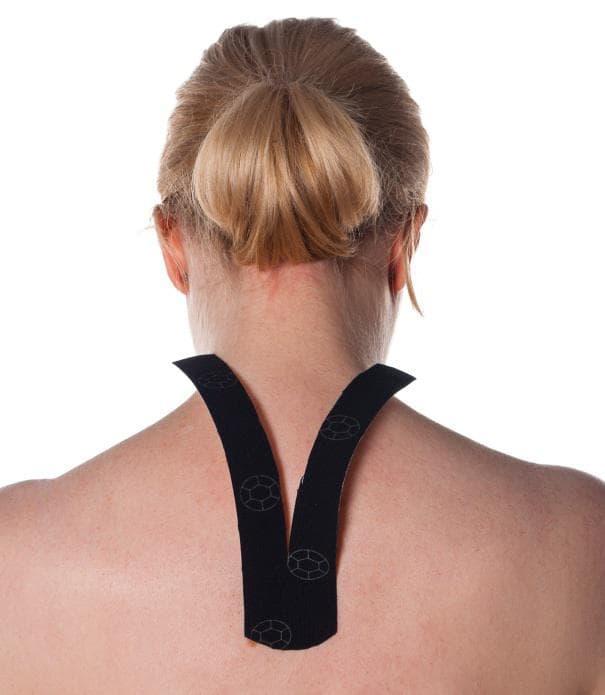 Залепяне на кинезио лента при болка във врата