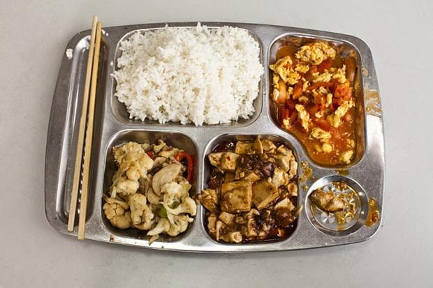 Китайски училищен обяд