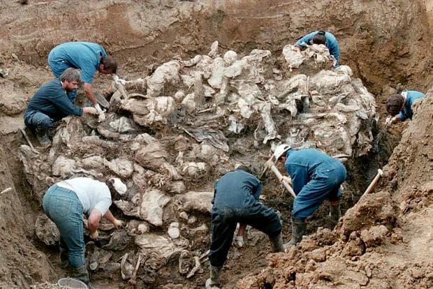 Ексхумация на масов гроб в Сребреница