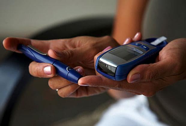 Измерване на кръвна захар с глюкомер