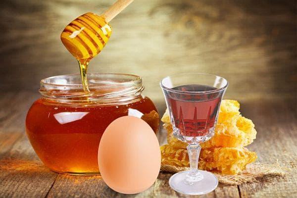 коняк, яйчен жълтък и мед