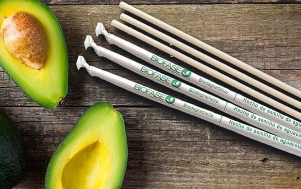 авокадо и сламки