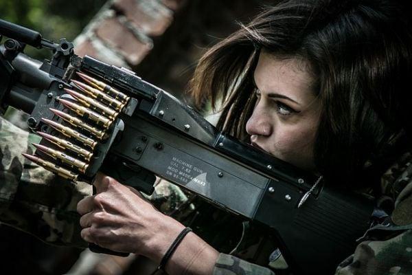 жена войник