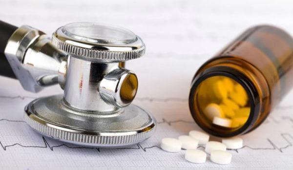Лекарства, повишаващи кръвното налягане: аналгетици (обезболяващи), назални деконгестанти
