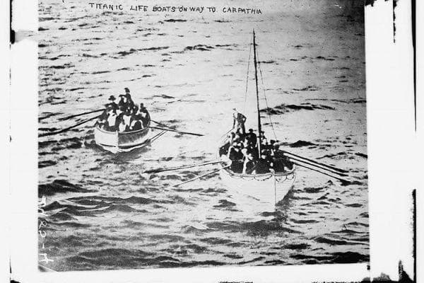 Спасителни лодки от Титаник